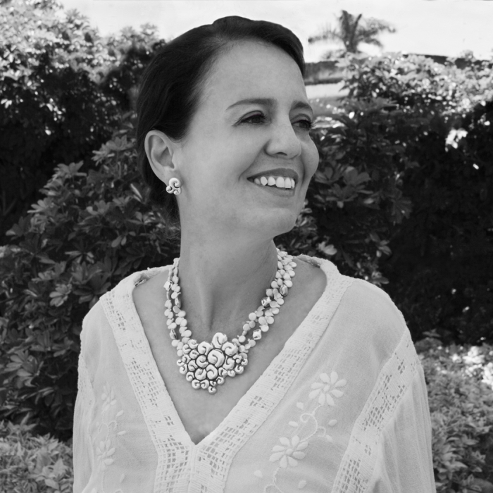 PRISCILA CANALES-biografía