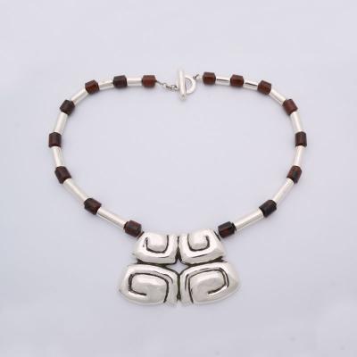 collar-prehispanico-maya-obsidiana-01