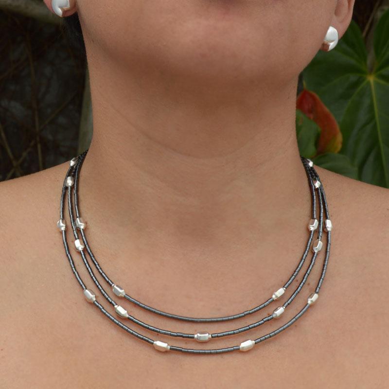 collar-abstracciones-pirinolas-02