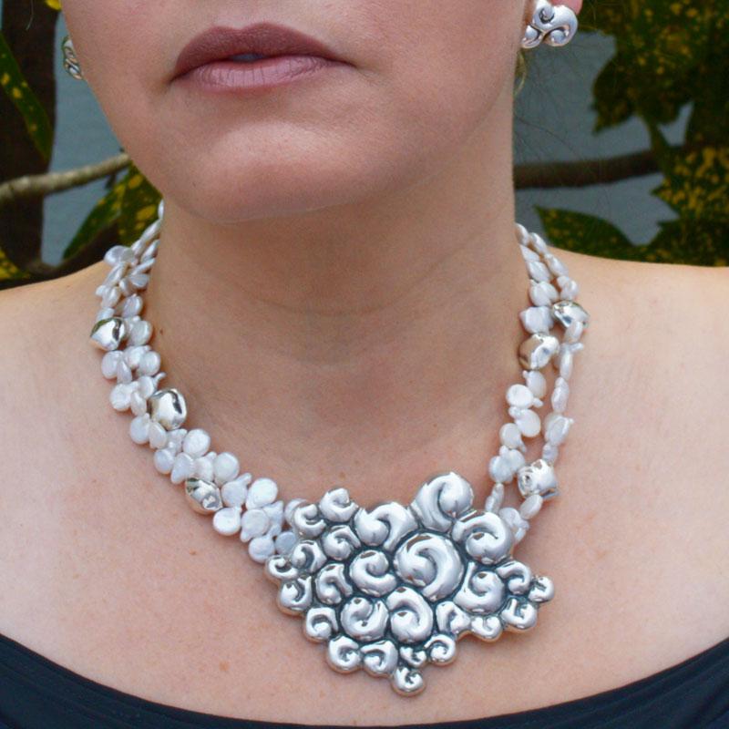 collar-abstracciones-caracoles-perla-02