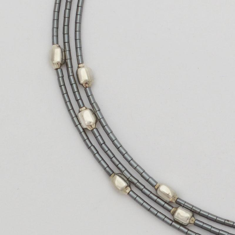 collar-abstracciones-pirinola-acerina-02