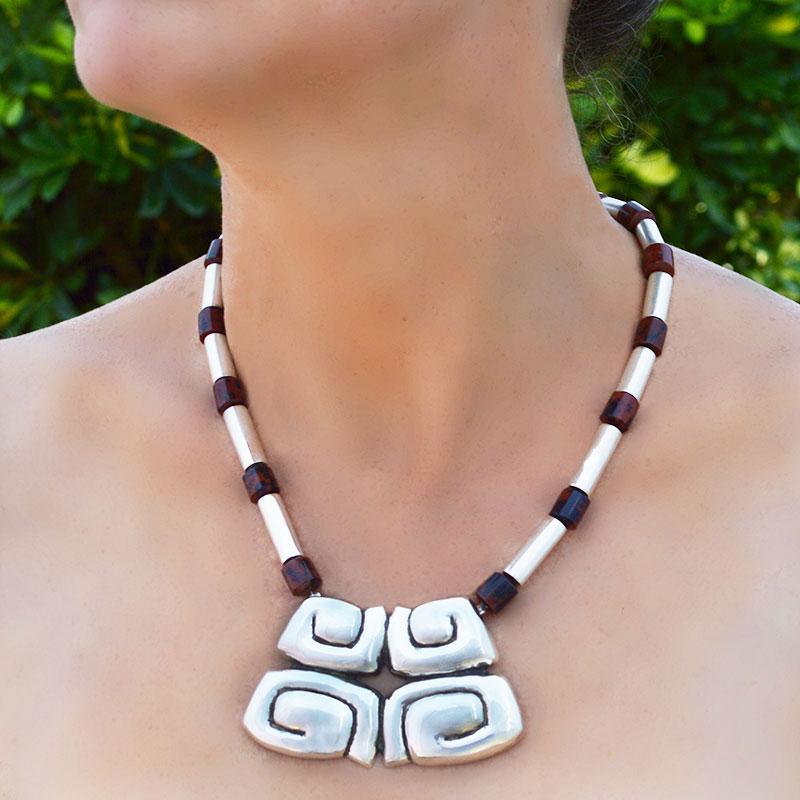 collar-prehispánico-maya obsidiana-02